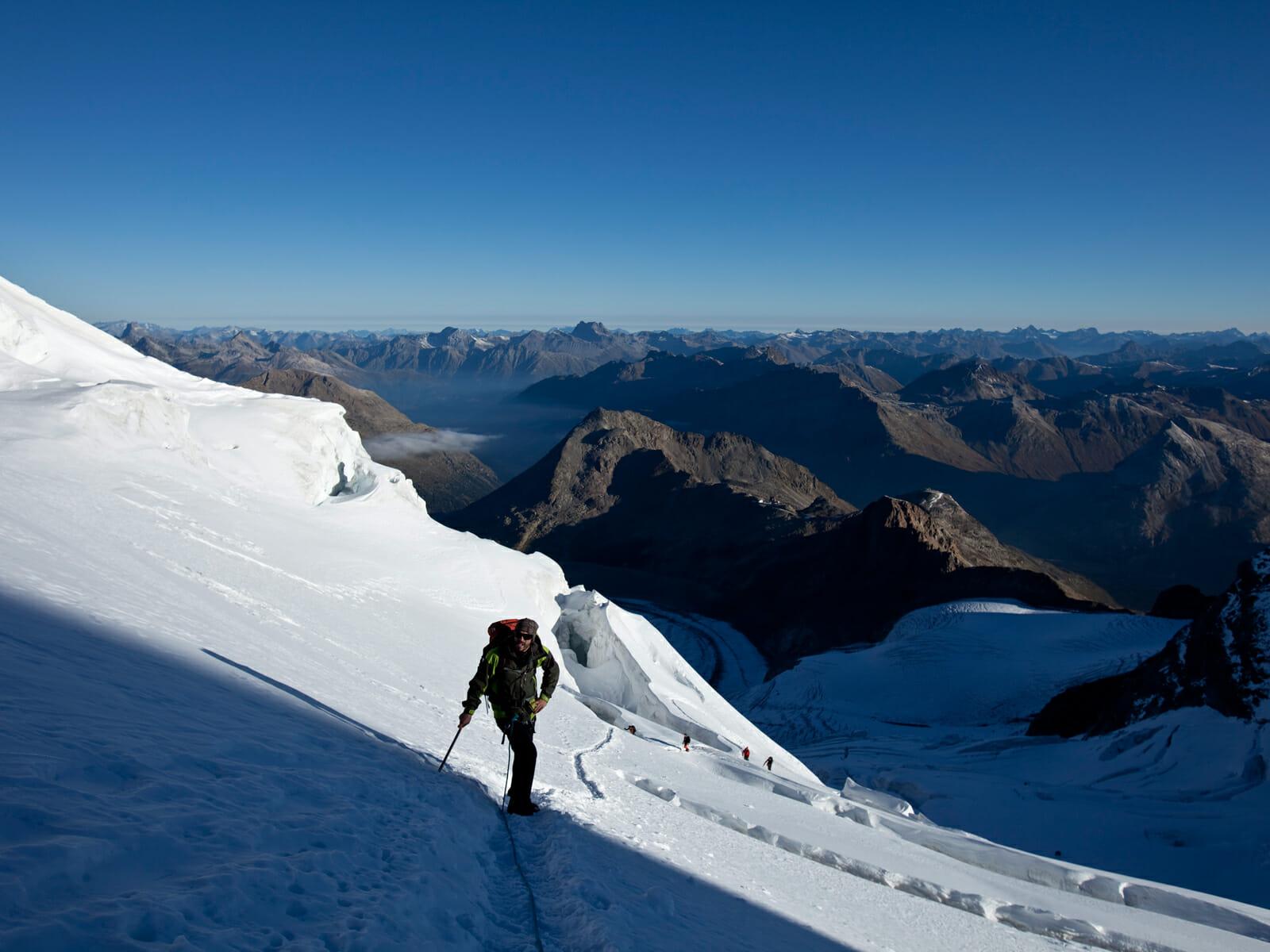 Leichter Klettergurt Für Hochtouren : Hochtouren ausbildung bernina bergsteigerschule pontresina